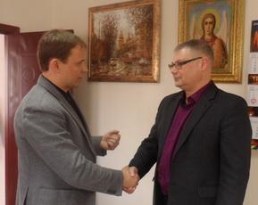 Вячеслав Фролов поздравил с юбилеем директора ЖЭУКа