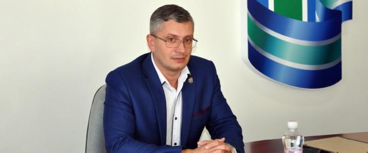 Юрий Молдовский пообщался с победителями военно-патриотического слета «Наследники Победы»