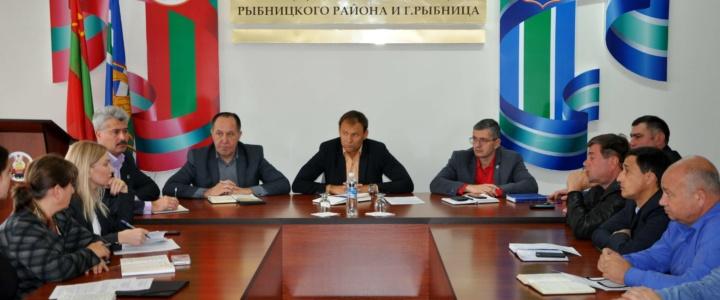 Вячеслав Фролов провёл аппаратное совещание с руководителями муниципальных служб