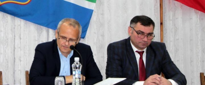 Виктор Тягай принял участие в сессии горрайсовета