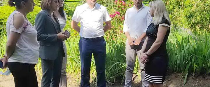 Глава госадминистрации и министр здравоохранения проинспектировали медицинские объекты сёл района