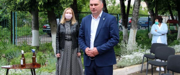 Виктор Тягай поздравил воспитанников коррекционной школы