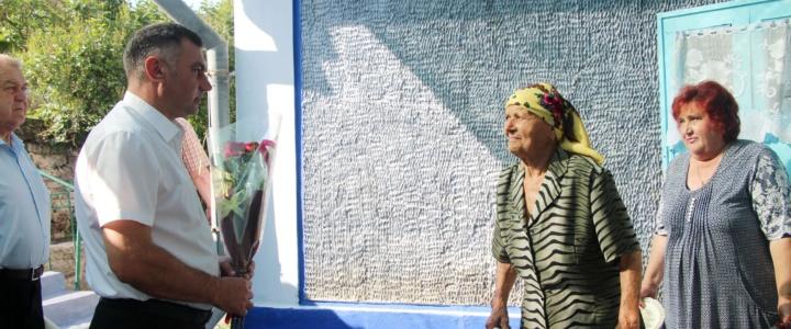 Глава госадминистрации поздравил с 90-летием жительницу Рыбницкого района