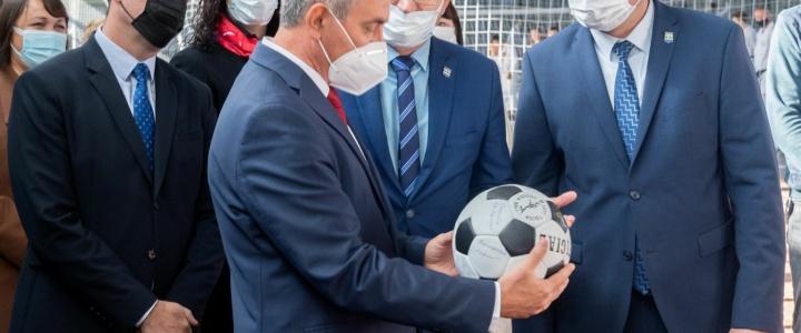 Президент посетил обновленный рыбницкий спорткомплекс «Юбилейный»