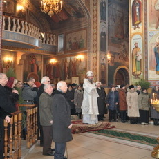 Архиепископ Савва совершил Божественную Литургию в рыбницком Михаило-Архангельском соборе