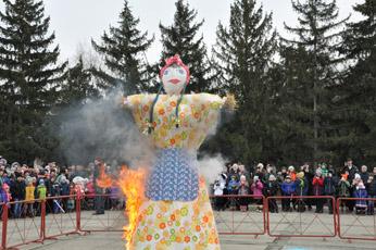 Широкими праздничными гуляниями отметили последний день масленицы в Рыбнице