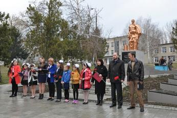 Митинг ко Дню освобождения села провели в Красненьком