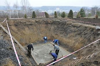 Строительство памятника.  Отчет за неделю