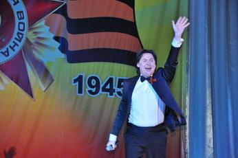 Накануне Дня Победы в Рыбнице прошел праздничный концерт с участием Юрия Кононова