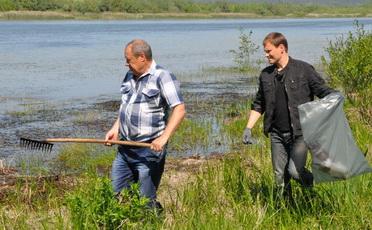 Аппарат госадминистрации принял участие в акции «Чистый берег»