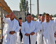 Президент Приднестровья побывал на сельскохозяйственных предприятиях Рыбницкого района