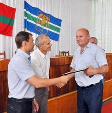 В госадминистрации чествовали рыбничан, активно участвующих в возведении Мемориала Славы защитникам Отечества