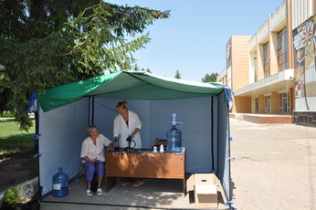 В Рыбнице в жаркие дни функционируют палатки по оказанию скорой медицинской помощи