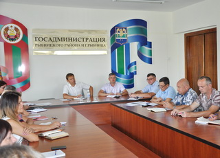 Подготовку к новому учебному году и празднованию Дня республики обсудили на совещании у главы госадминистрации