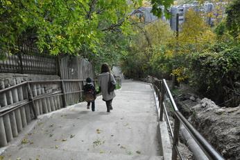 Закончен ремонт лестничного пешеходного спуска по ул. 8 Марта – ул. Заречной