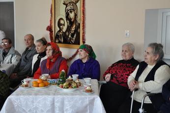 В доме для одиноких престарелых и инвалидов провели новогоднюю праздничную программу