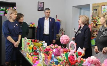 В Рыбнице прошел конкурс поделок к 8 марта