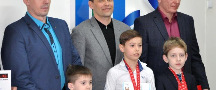 Вячеслав Фролов поздравил победителей международных спортивных турниров