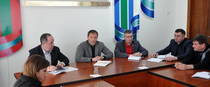 Глава госадминистрации провёл совещание с руководителями государственных и муниципальных служб