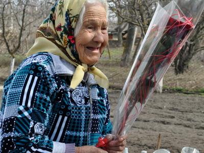 Юрий Молдовский поздравил с 90-летием труженицу тыла Февронию Ярмурати