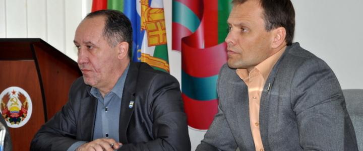 Вячеслав Фролов провёл аппаратное совещание с руководителями учреждений и предприятий