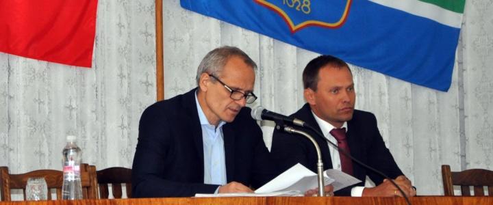 Глава госадминистрации принял участие в работе сессии горсовета