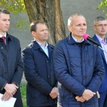 В Северной столице состоялось торжественное открытие спортивной площадки с уличными тренажерами