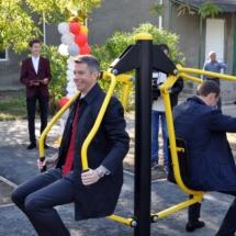 В Северной столице состоялось торжественное открытие спортивной площадки с уличными тренажерами (3)