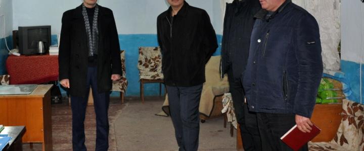 Заместители главы госадминистрации посетили общество инвалидов по зрению