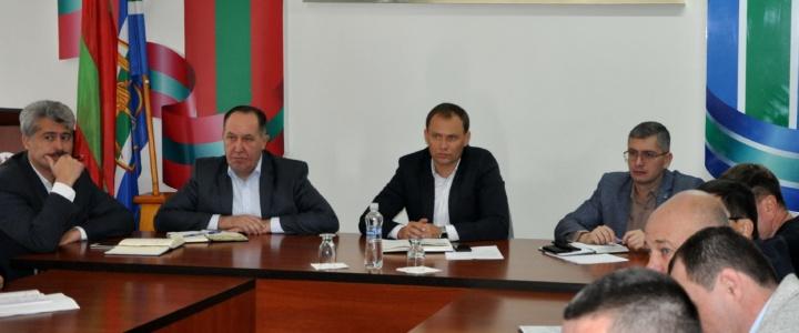 Глава госадминистрации  провёл совещание с руководителями государственных и муниципальных организаций