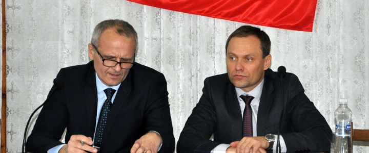Глава госадминистрации принял участие в отчетной сессии народных депутатов