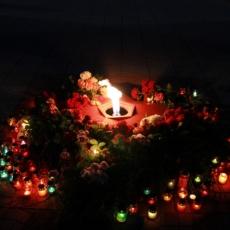 Война – печальней слова нет. Рыбничане зажгли свечи в знак вечной памяти павших