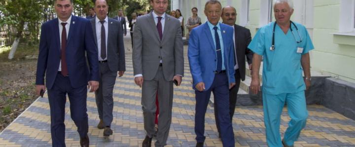 Глава Правительства посетил объекты ФКВ