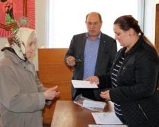 Рыбницким ветеранам выдали материальную помощь России