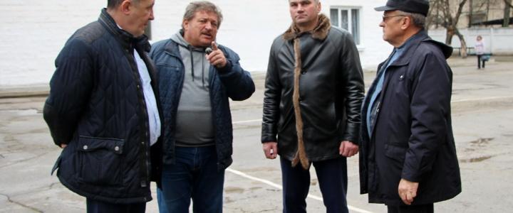 Глава госадминистрации проинспектировал городские объекты, где идут строительные работы