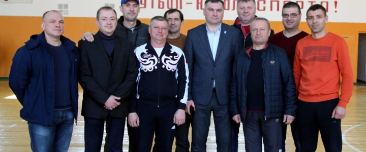 Церемонию открытия чемпионата по мини-футболу посетил глава города