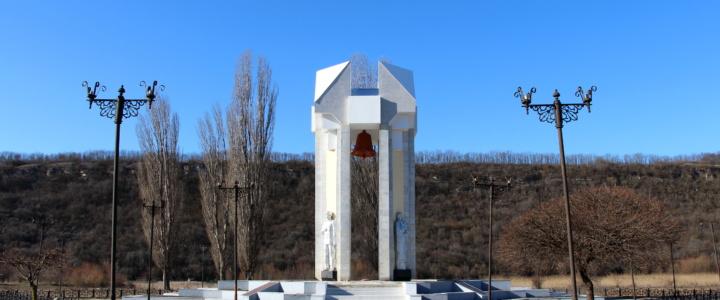 История самого большого памятника в Рыбницком районе