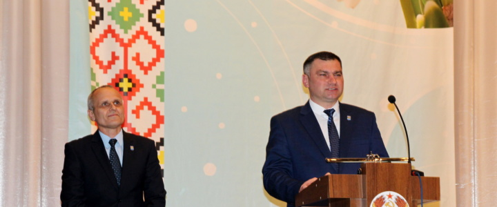 Глава госадминистрации поздравил рыбничанок с Международным женским днём