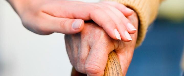 Рыбницкие волонтёры оказывают помощь пожилым людям