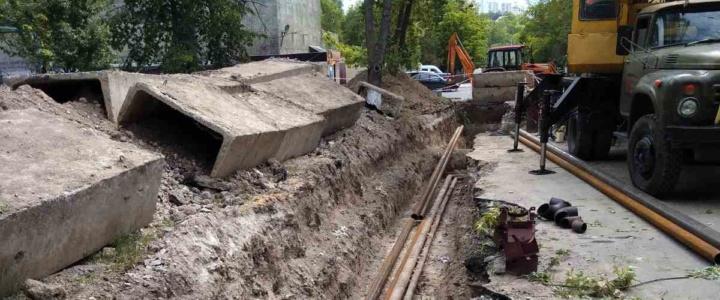 """Рыбницкий филиал """"Тирастеплоэнерго"""" проводит работы по замене внутриквартального трубопровода ГВС в микрорайоне Вальченко"""