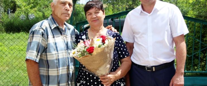 Виктор Тягай поздравил супружеские пары, прожившие в браке полвека