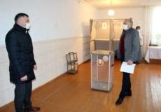 Глава госадминистрации проверил готовность избирательных участков к выборам